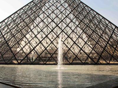 Париж в марте: Лувр