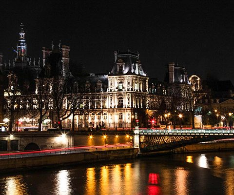 Париж в марте: город ночью